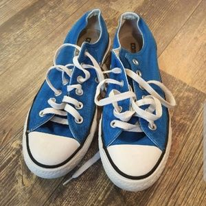 Converse low tops *EVERYTHING MUST GO by Sep 30*